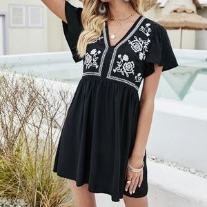 Boho gypsy embroidered floral dress black white